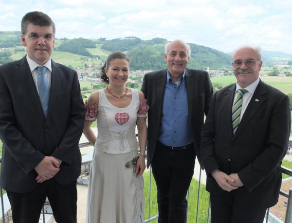 Von links: Bürgermeister von Winden in spe Klaus Hämmerle, Elztalhotel Inhaberin Ulrike Tischer, MdL Alexander Schoch, Bürgermeister von Winden Clemens Bieniger