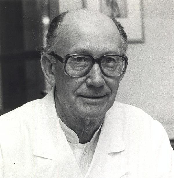 Prof. Jochen Staubesand