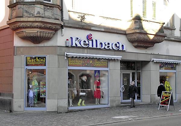 Dirndl, Lederhosen, Trachten, Fasnachtskostüme, Perücken, Halloweenkostüme, Schmuck, Accessoires >> Lange Straße 50, 79183 Waldkirch