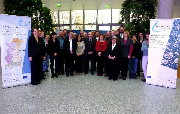 """Zum Start des INTERREG-Projektes """"Dreiländermuseum"""" trafen sich 34 Vertreter von oberrheinischer Museen, Geschichtsvereinen und anderen Einrichtungen im Sitz der Regionalverwaltung des Elsass (Maison de la Région, Straßburg)"""