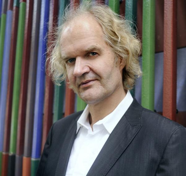 Pianist <b>Clemens Kröger</b> begibt sich am Steinway & Sons Konzertflügel auf die <b>...</b> - 1352132039.9543