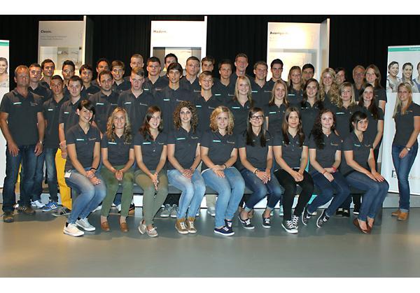 Schiltach: 39 junge Menschen starten bei Hansgrohe - Schiltacher ...