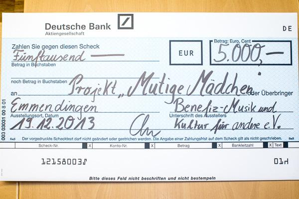 """5000 € für das Projekt """"mutige Mädchen""""."""