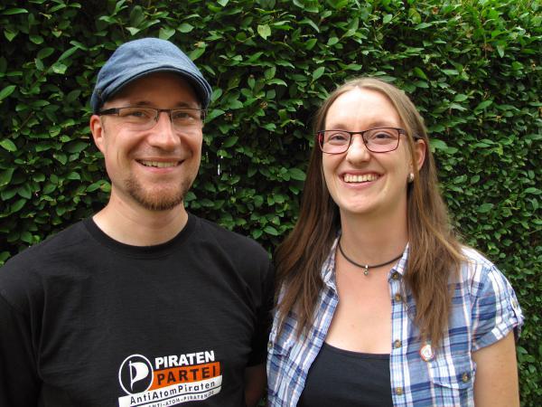 Zur Landtagswahl 2016 treten an (v. r. n. l.): Julia Fiedler, Kandidatin und Marco Rosenthal, Ersatzkandidat. (CC0 1.0)