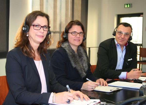 Maria Altena, Professor Dr. med. Svenja Happe, Dipl. med. Safi Hazzan (v.li.)  Quelle: pr|nrw