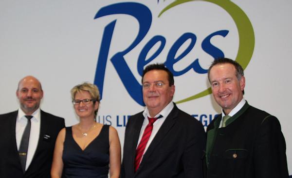 Edeka Rees in Malterdingen feierlich eingeweiht - Von links: Michael Rees, Tanja Rees, Malterdingens Bürgermeister Hartwig Bußhardt, Olaf Kather (Hauptgeschäftsführer Handelsverband Südbaden)  Foto: Bildagentur FSRM (Wir dokumentieren auch Ihren Anlass: Tel. 07641-9626230)