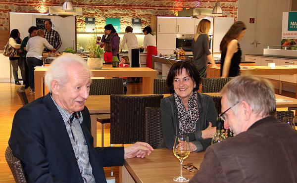 Bahlingen Regiotrends Partner Zeigen Sich 50 Jahre Maier Kuchen In