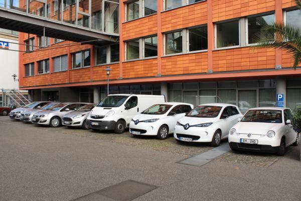Weisse Flotte: Auch die Dienstfahrzeuge des Landratsamtes sind in den Kfz-Zulassungszahlend des Landkreises enthalten.   Foto: Landratsamt Emmendingen – Ulrich Spitzmüller