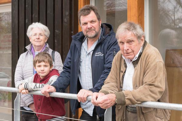 Hochburgverein übergibt sanierten Wehrturm am 2. April - Von links: Geschäftsführerin Annelies Kaiser, Linus Brinkmann, Axel Brinkmann (Leiter ständige Arbeitsgruppe), Architekt Rolf Brinkmann.