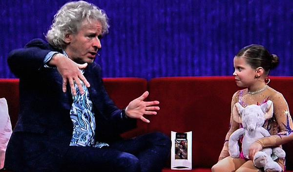 "Teresa Rickmers (7) in der TV-Show ""Little Big Stars"" mit Thomas Gottschalk 