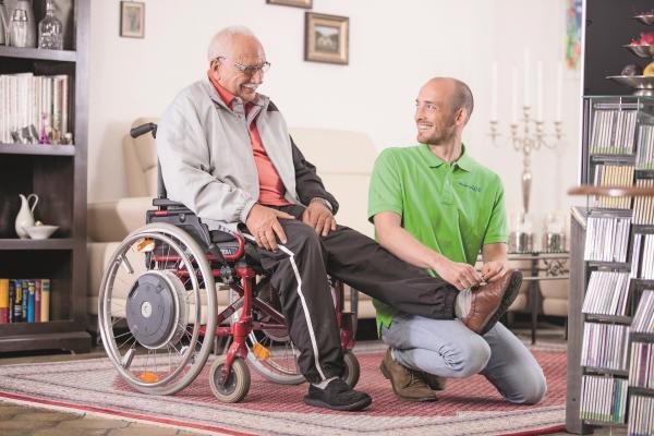 Einen wichtigen Beitrag als Alternative zum Heim und zu einem teuren Pflegedienst leisten in Deutschland seit Jahren polnische Pflegekräfte. https://www.promedicaplus.de/24-stunden-betreuung-pflege-emmendingen Foto: Promedica Plus