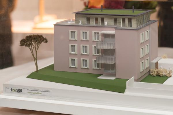 Generationenhaus auf dem Areal Ringwald feiert Richtfest - Das Modell des neuen Generationenhauses.
