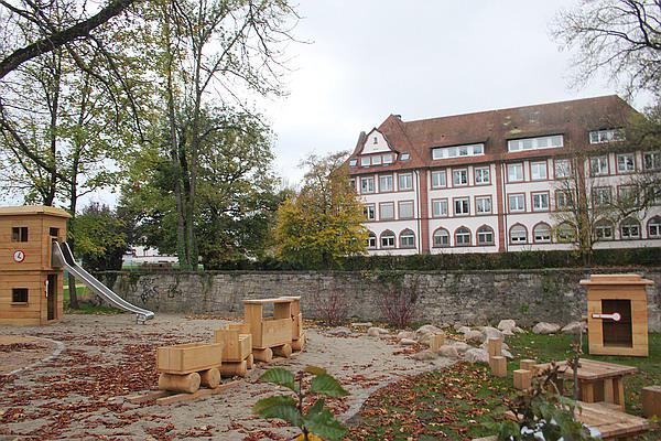 Emmendingen bahnhof spielplatz der hermann g nth stra e for Emmendingen industrie