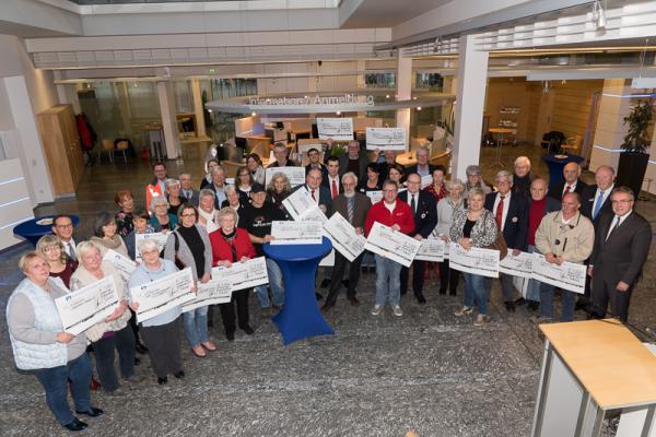 Volksbank Breisgau Nord überreicht Spenden von insgesamt 45.000 Euro