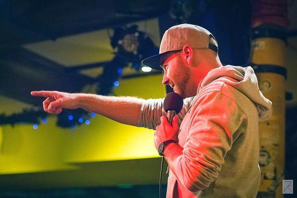 """6. Dezember: """"Poetry Slam"""" - Dichterwettstreit im Schlachthof  Poetry Slam-Künstler Marvin Suckut   Foto: Stadt Lahr"""