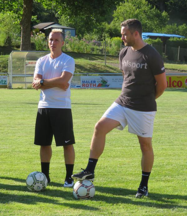 Trainer Kai de Fazio und Co-Trainer Mathias Stehle verlängern Engagement