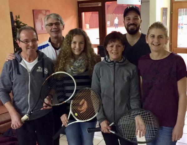 Die Gewinner des Schleifchenturniers des TC Heimbach: (v.l. Günter Fischer, Thomas Rombach, Jasmin Faller, Anita Fischer, Benjamin Hensle und Andrea Reif )