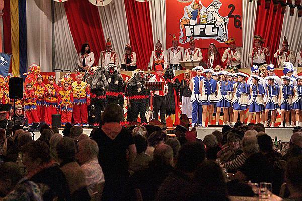 """Emmendinger Seniorenfasnet - Über 400 Senioren feiern in der Fritz-Boehle Halle  Bild: Reinhard Laniot / REGIOTRENDS-Lokalteam """"EM-extra"""""""