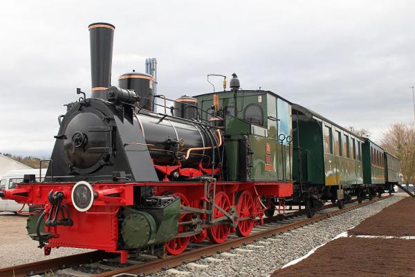 Historischer Dampfzug auf Gelände der Landesgartenschau (ab 12. April) in Lahr  Foto: Stadt Lahr