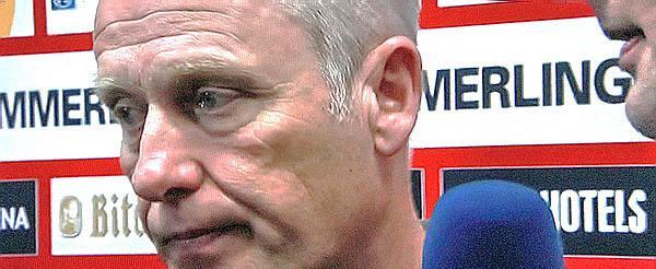 Die Sorgenfalten nach der Begegnung in Mainz sind bei Trainer Streich nicht zu übersehen   TV-Bild