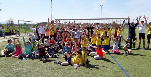 """""""Crocky-Turnier"""" mit diversen Schulen aus EM beim FC Emmendingen!  Foto: Jonathan Huber"""