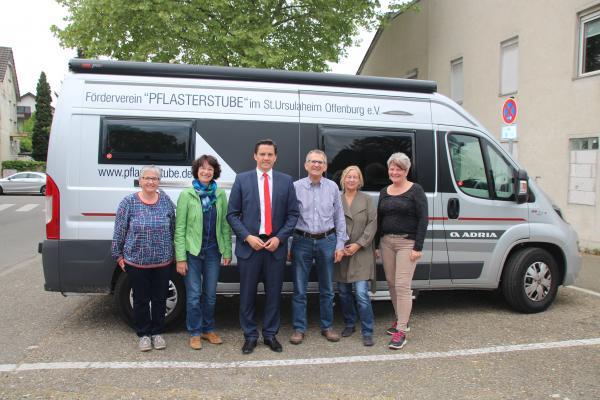 Von links: Susanne Wacker und Annedore Braun (Diakonie), Johannes Fechner (SPD-MbB), Rudolf John (SPD Stadtrat), Eva Chritoph (Leiterin Wohnungslosenhilfe, Ortenaukreis), Ute Vogt.