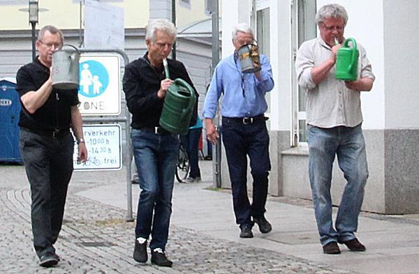 """""""600 Jahre Marktrecht"""" in Emmendingen: Festspielbüro ist eröffnet! - """"Frank Goos und sein Orchester"""" im Anmarsch."""