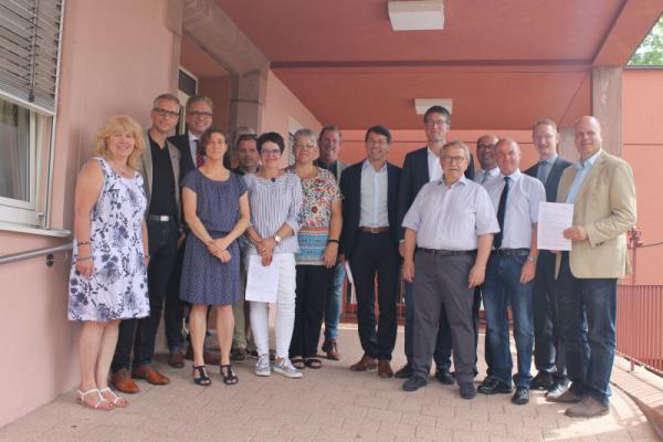 Bürgermeister der Gemeinden aus der Region übergaben Resolution an die Klinikinitiative LEBEN