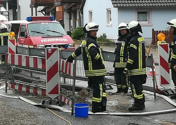 Entspannte Lage, warten auf das zuständige Bauunternehmen, Kirchstraße