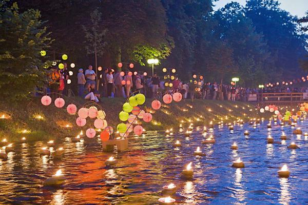 14./15. Juli: Großes Lichterfest im Kurpark Bad Krozingen  Foto: Kur und Bäder GmbH Bad Krozingen