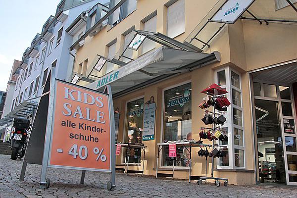 ADLER, Haus der Fußgesundheit, Orthopädie-Schuhtechnik - Cornelia-Passage 4, Tel. 07641-43549