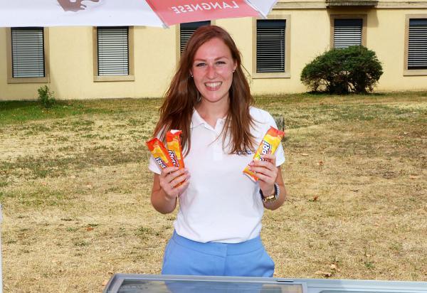 Kühle Erfrischung an heißen Tagen - Universitätsklinikum Freiburg verteilte Eis an Patienten und Mitarbeiter: So fruchtig schmeckt der Sommer  Foto: Universitätsklinikum Freiburg