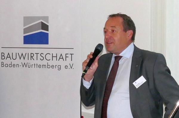 Bauwirtschaft Baden-Württemberg veranstaltete Spätsommertreff in Freiburg  Präsident Markus Böll begrüßte die Teilnehmer zum Spätsommertreff  Foto: Bauwirtschaft Baden-Württemberg e.V.