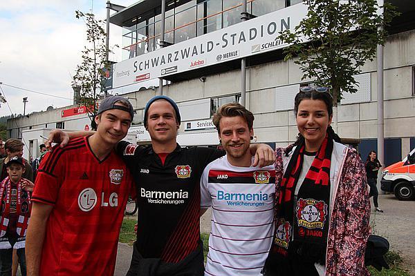 """SC Freiburg - Bayer Leverkusen 0:0 >> Tipp der Leverkusen-Fans vor dem Spiel: """"Wir gewinnen 2:1!""""   Bild: FSRM"""