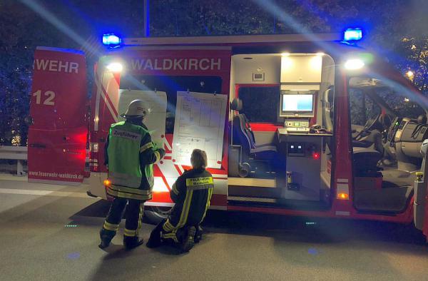 Feuerwehr Waldkirch hielt Übung im Hugenwaldtunnel ab   Foto: Freiwillige Feuerwehr Waldkirch