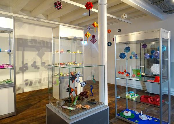 """20. Oktober bis 11. November: """"Origami - Kunst des Papierfaltens"""" - Sonderausstellung im Stadtmuseum Lahr   Foto: Stadt Lahr"""