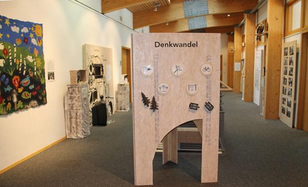 """Blick in die Wechselausstellung """"Klimaturgie"""" im Haus der Natur.  © Naturpark Südschwarzwald"""