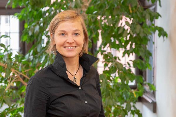 """Freiburg stellt Weichen für Schwerpunktthema """"Wohnen neu"""" - Sabine Recker, bisher stellvertretende Leiterin des Rechtsamtes der Stadt, wird ab 1. Januar das neu geschaffene Referat bezahlbares Wohnen (RbW) leiten."""