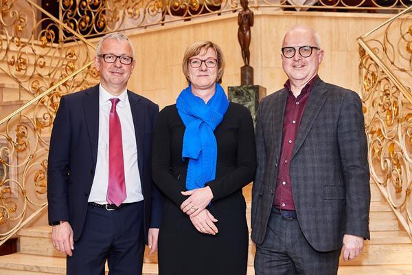 Finanzministerin zu Gast beim wvib V.l.: Dr. Christoph Münzer (wvib- Hauptgeschäftsführer), Finanzministerin Edith Sitzmann, Thomas Burger (wvib-Präsident).