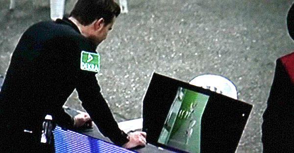 SC Freiburg gegen VfL Wolfsburg - Szene des Tages  TV-Bild