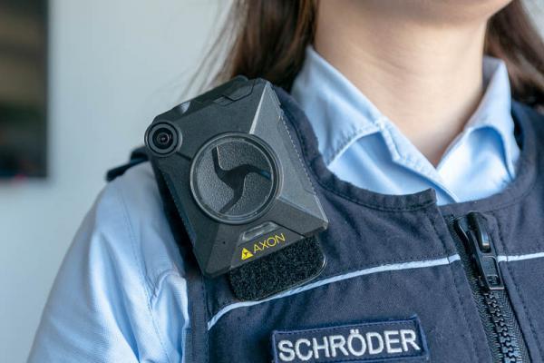 Polizeipräsidium Freiburg setzt ab 13. März flächendeckend Bodycams im Streifeneinsatz ein