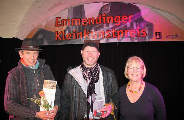 Von links: Initiator Günther Hoffmann, Nils der Gaukler, OB-Stellvertreterin Ute Haarer-Jenne