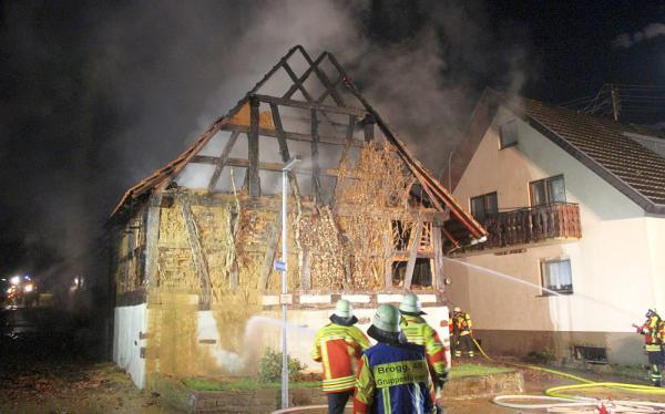 Erneuter Brand einer Scheune in Herbolzheim-Broggingen.  Foto: Feuerwehr Herbolzheim