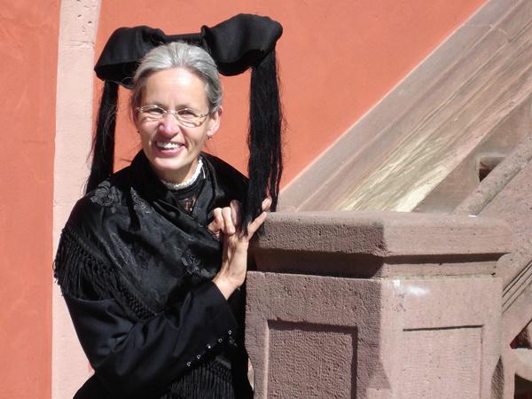 Annemarie Friedrich-Kirn in Tracht  Foto: Stadt Lahr