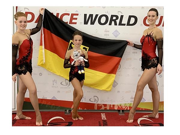 """Das """"Trio Bellini"""" vertrat Deutschland beim Dance World Cup in Braga.  Foto: Europa-Park"""