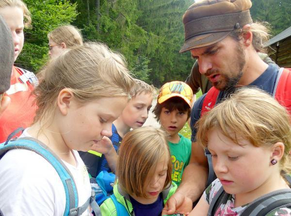 Junior Ranger gingen auf Entdeckungsreise ins Moor bei St. Blasien.  Foto: Biosphärengebiet Schwarzwald