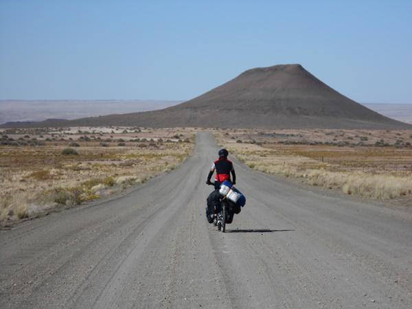 Mit dem Rad durch Afrika   Foto: Ursula Koll