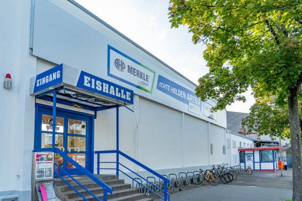 """Freiburger Eisstadion heißt ab sofort """"Echte Helden Arena"""""""
