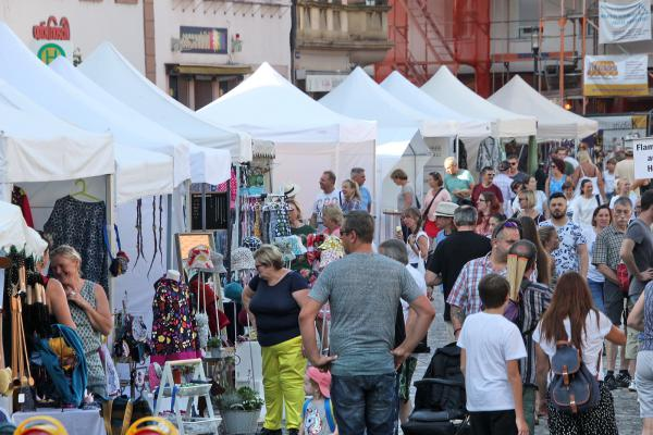 Künstlermarkt als Treffpunkt der Regio - Anbieter aus der gesamten Republik in Emmendingen  Foto: Reinhard Laniot / REGIOTRENDS Lokalteam EM-extra