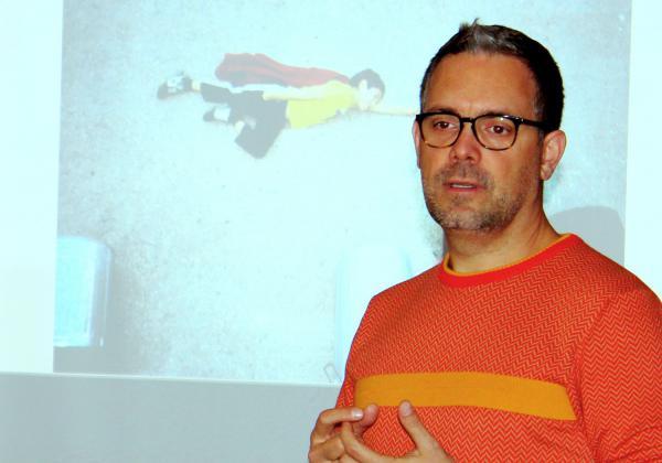 Jan von Holleben besuchte die Mediathek Waldkirch.  Foto: Stadt Waldkirch